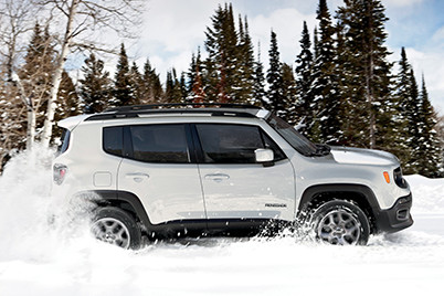 2017 Jeep Renegade Canada-Combat the Cold